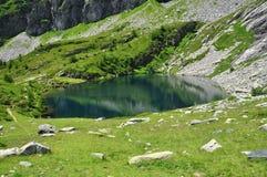 Lago alpestre. Valle de Ossola. Italia fotografía de archivo libre de regalías