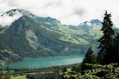 Lago in alpi svizzere Fotografia Stock