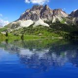 Lago alpino da montanha Foto de Stock Royalty Free