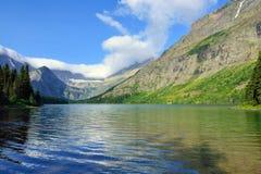 Lago alpino Josephine sulla traccia del ghiacciaio di Grinnell in Glacier National Park Fotografia Stock