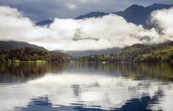 Lago alpino nelle alpi in Slovenia Fotografie Stock Libere da Diritti