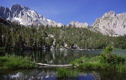 Lago alpino in sierra Nevada Fotografia Stock Libera da Diritti