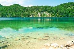 Lago Alpsee a Hohenschwangau vicino a Monaco di Baviera in Baviera Immagini Stock
