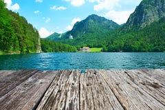 Lago Alpsee a Hohenschwangau vicino a Monaco di Baviera in Baviera Fotografia Stock Libera da Diritti