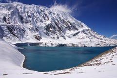 lago Alto-montagnoso Tilicho Fotografia Stock