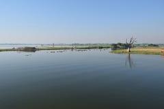Lago Amarapura, Mandalay, Myanmar Taungthaman Foto de archivo libre de regalías