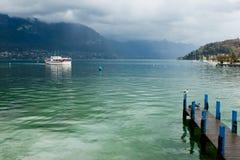 Lago Annecy Fotos de archivo libres de regalías