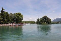 Lago annecy in alpi francesi Immagini Stock
