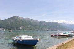Lago annecy in alpi francesi Fotografia Stock Libera da Diritti