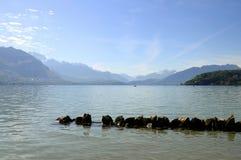 Lago annecy dalla città Fotografia Stock Libera da Diritti