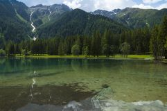 Lago Anterselva na mola atrasada Foto de Stock Royalty Free