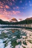 Lago Antorno com moun famoso de Tre Cime di Lavaredo Drei Zinnen Foto de Stock Royalty Free