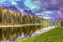 Lago Antorno, dolomia Fotografie Stock Libere da Diritti