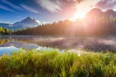 Lago Antorno e Tre Cime di Lavaredo Immagine Stock Libera da Diritti
