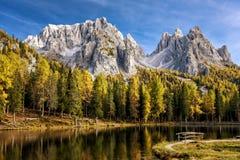 Lago Antorno, Misurina L'Italia Fotografia Stock
