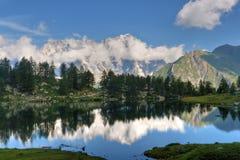 Lago Arpy, Italia Fotografie Stock