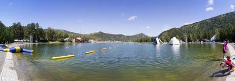 Lago artificial Biryuzovaya Katun Imagen de archivo libre de regalías