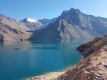 Lago artificial no ` do EL Yeso de Embalse do ` do Chile fotografia de stock