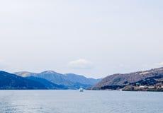 Lago Ashi, Hakone, Japón Imagen de archivo