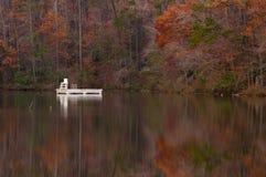 Lago asylum en el parque de estado de la montaña de París, Greenville, Carolina del Sur en otoño Fotos de archivo