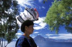 LAGO ATITLAN DE AMÉRICA LATINA GUATEMALA imagen de archivo libre de regalías
