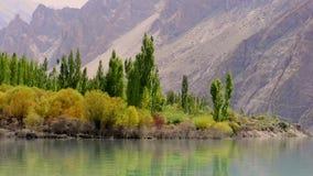 Lago Attabad, Hunza, Gilgit paquistán almacen de metraje de vídeo