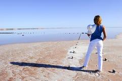 Lago Australia woman outback Immagine Stock
