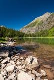 Lago avalanche no parque nacional de geleira, Montana imagem de stock
