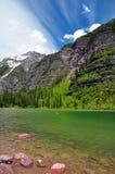Lago avalanche. Parque nacional de glaciar Imagen de archivo libre de regalías