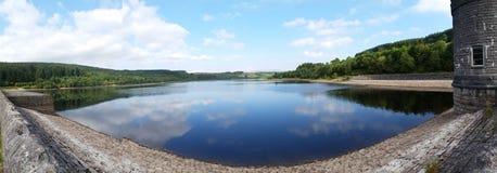 Lago azul Imágenes de archivo libres de regalías