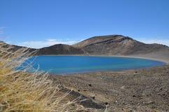 Lago azul, circuito septentrional de Tongariro, travesía alpina Imagen de archivo libre de regalías