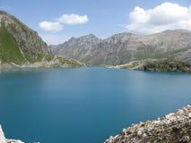 Lago azul de Murudzhu fotos de stock royalty free