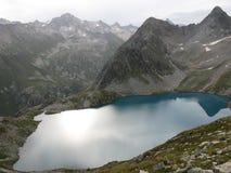 Lago azul de Murudzhu imagem de stock