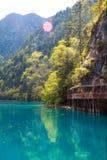Lago azul en Jiuzhaigou Fotos de archivo libres de regalías