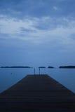 Lago azul finlandês fotos de stock