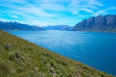 Lago azul Hawea Imagem de Stock Royalty Free