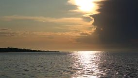 Lago Baikal al tramonto stock footage