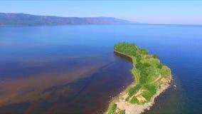Lago Baikal Cabo Shamanka na cidade de Sludyanka em Sibéria video estoque