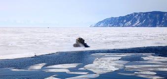 Lago Baikal congelado Fotografia de Stock Royalty Free