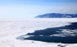 Lago Baikal congelato Fotografia Stock