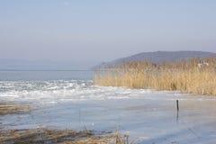 Lago Balaton no inverno imagem de stock royalty free