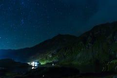 Lago Balea na noite, Romênia Imagem de Stock