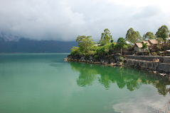 Lago, Bali, Indonésia. Lagos, Ásia fotografia de stock