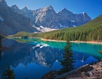Lago Banff Alberta moraine Immagine Stock