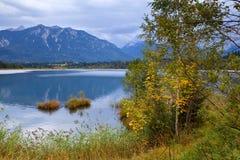 Lago Barmsee nelle alpi di autunno Immagine Stock Libera da Diritti