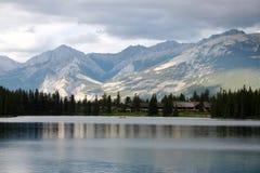 Lago Beauvert de la laca imagenes de archivo