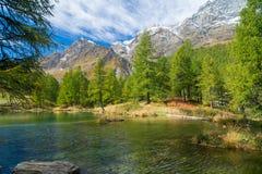 Lago Bleu jezioro Włochy Zdjęcia Stock