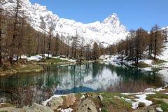 Lago Blu με τη Σύνοδο Κορυφής Matterhorn σε breuil-Cervinia Valtournenche κοιλάδα της Ιταλίας aosta Στοκ εικόνα με δικαίωμα ελεύθερης χρήσης