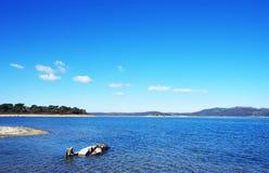 Lago blu, Alqueva, Portogallo Fotografia Stock Libera da Diritti