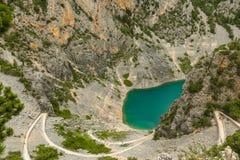 Lago blu Imotski in Croazia Immagini Stock Libere da Diritti